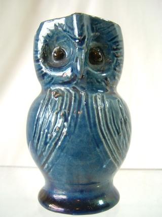 Farnham Pottery (Surrey) 00125