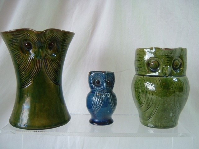 Farnham Pottery (Surrey) 00724
