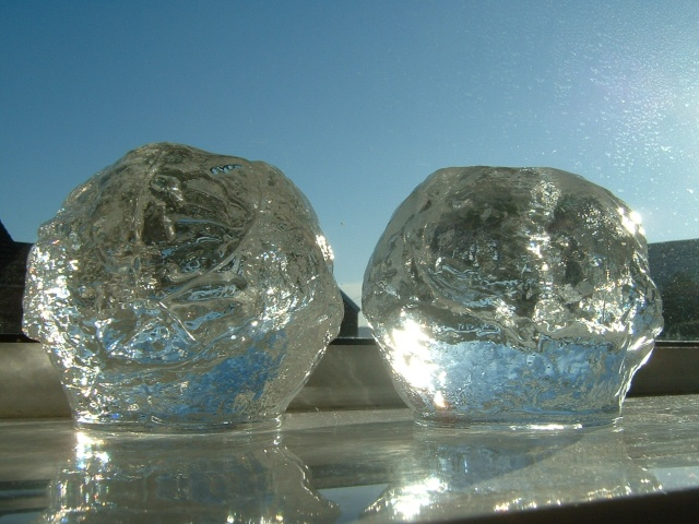 Kosta Boda Ann Warff 'Snowball' 1972 01220