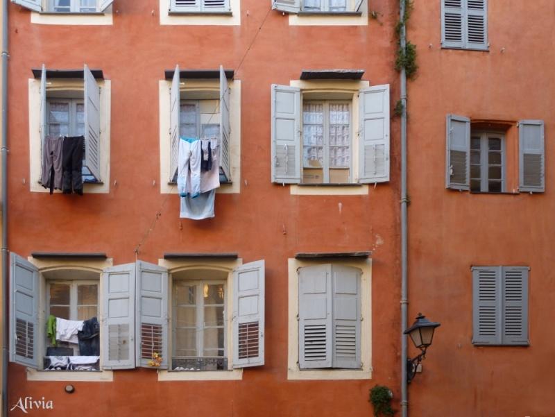 Grasse : Façade de la vieille ville Grasse10