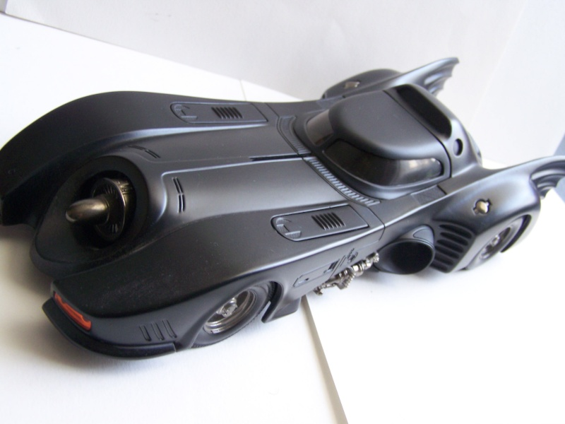 Batmobile HOT WHEELS 1/18° 100_1534