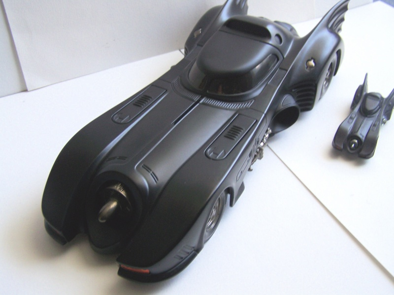 Batmobile HOT WHEELS 1/18° 100_1537