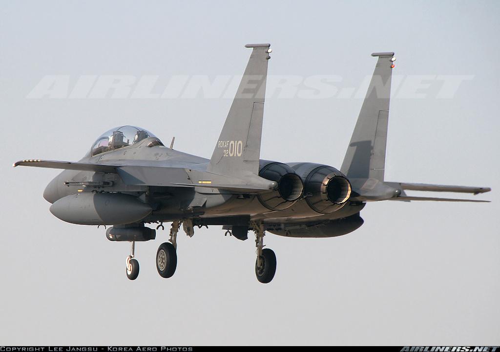 F15 around the world 14491610