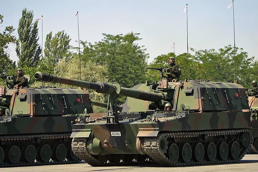 systèmes d'artilleries autotractés et autopropulsés - Page 2 T-155_10