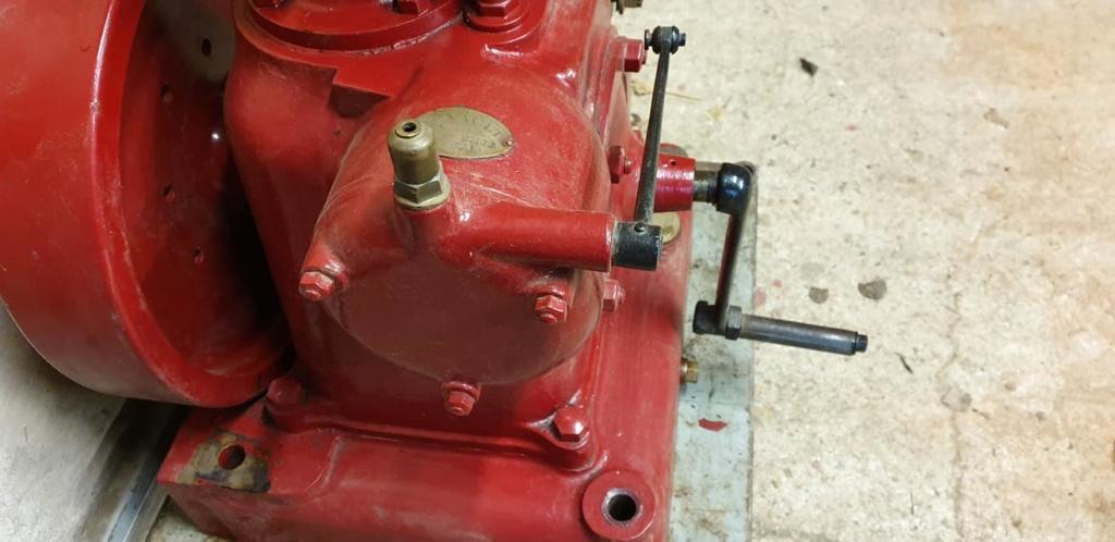 RENAULT - Un moteur Renault de Billancourt  81120310