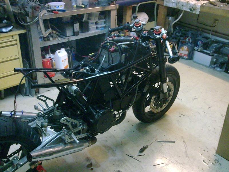 Reconstruction de ma 900ss-->transfo en Dirt Fighter P 15 ! - Page 9 Photo020