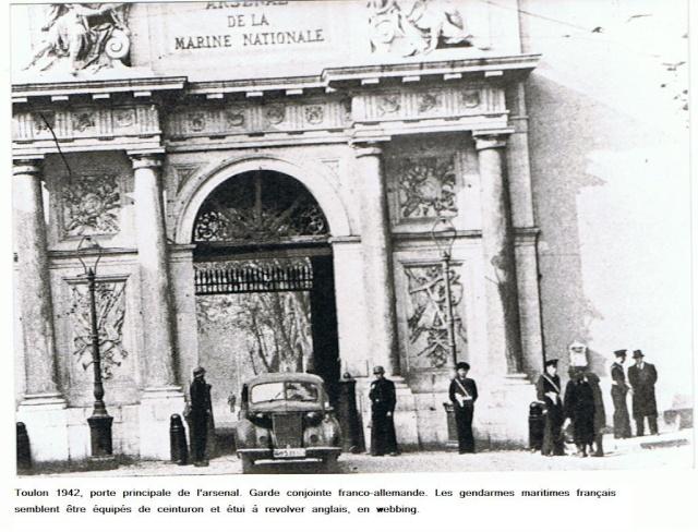 [ Les ports  militaires de métropole ] Toulon des années 30 1942_t11