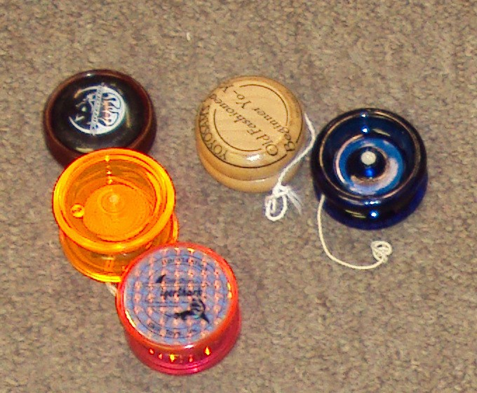 [CONCLUSA NON PARTEC.] ebay 370341091154 - Used lot of 5 Vintage Yo-Yos - Collector YoYo- Mix!  scad. (Mar 04, 201017:45:25 PST) Bmtwew10