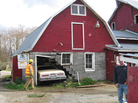 car in barn lol !!!!!!!! 10030410