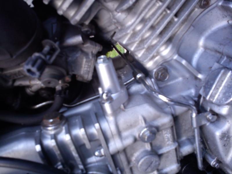 750 EN -  bruit cliqettis dans moteur 750 vulcan Dsc00011