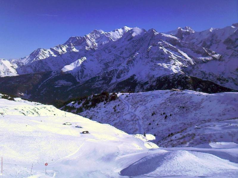 Bien le bonjour depuis la Suisse (par jean-luc V) Mt_bla10