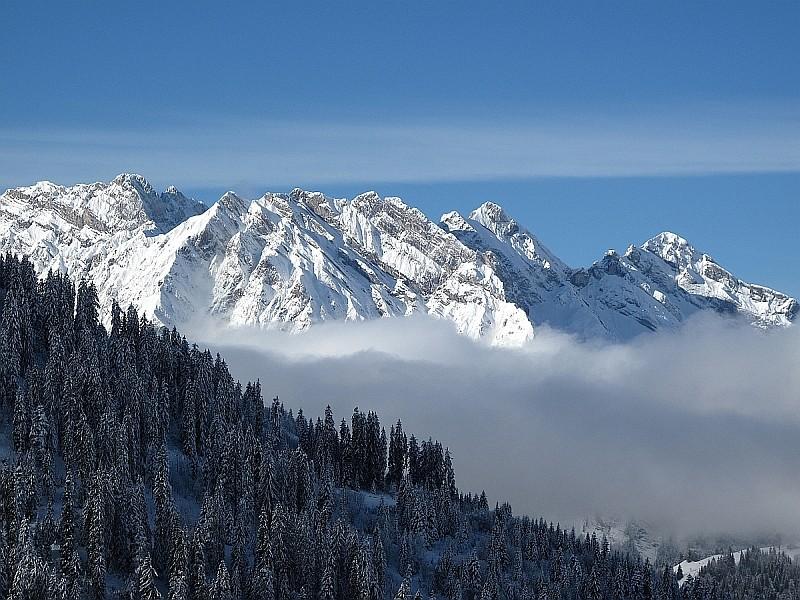 En Savoie...la neige, c est parti.. Img_2610