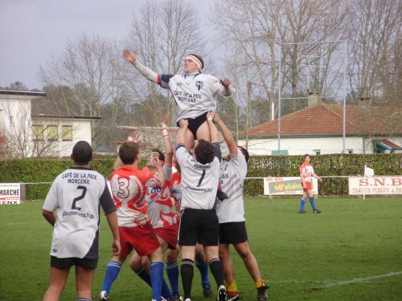 Belle victoire des juniors de l'entente contre Roquefort P2060723