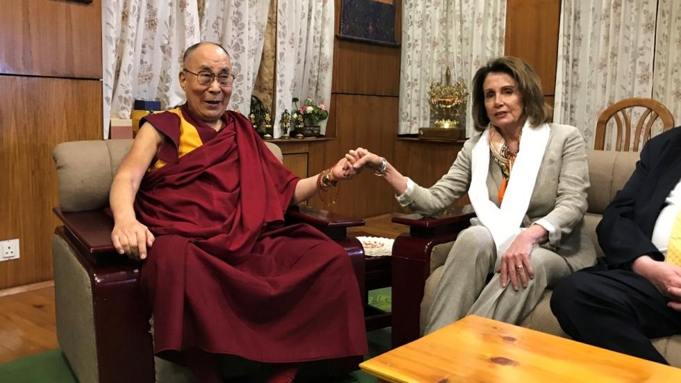 le Dalaï-lama a félicité Nancy Pelosi 48429110