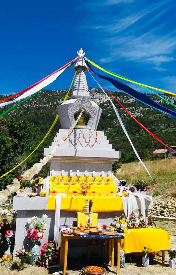 Rabjam Ripoché viendra consacrer le nouveau Stupa de Nyima Dzong 67774110