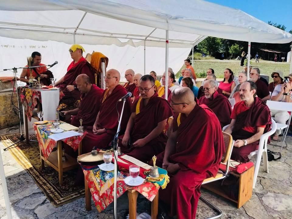 Rabjam Ripoché viendra consacrer le nouveau Stupa de Nyima Dzong 68462710