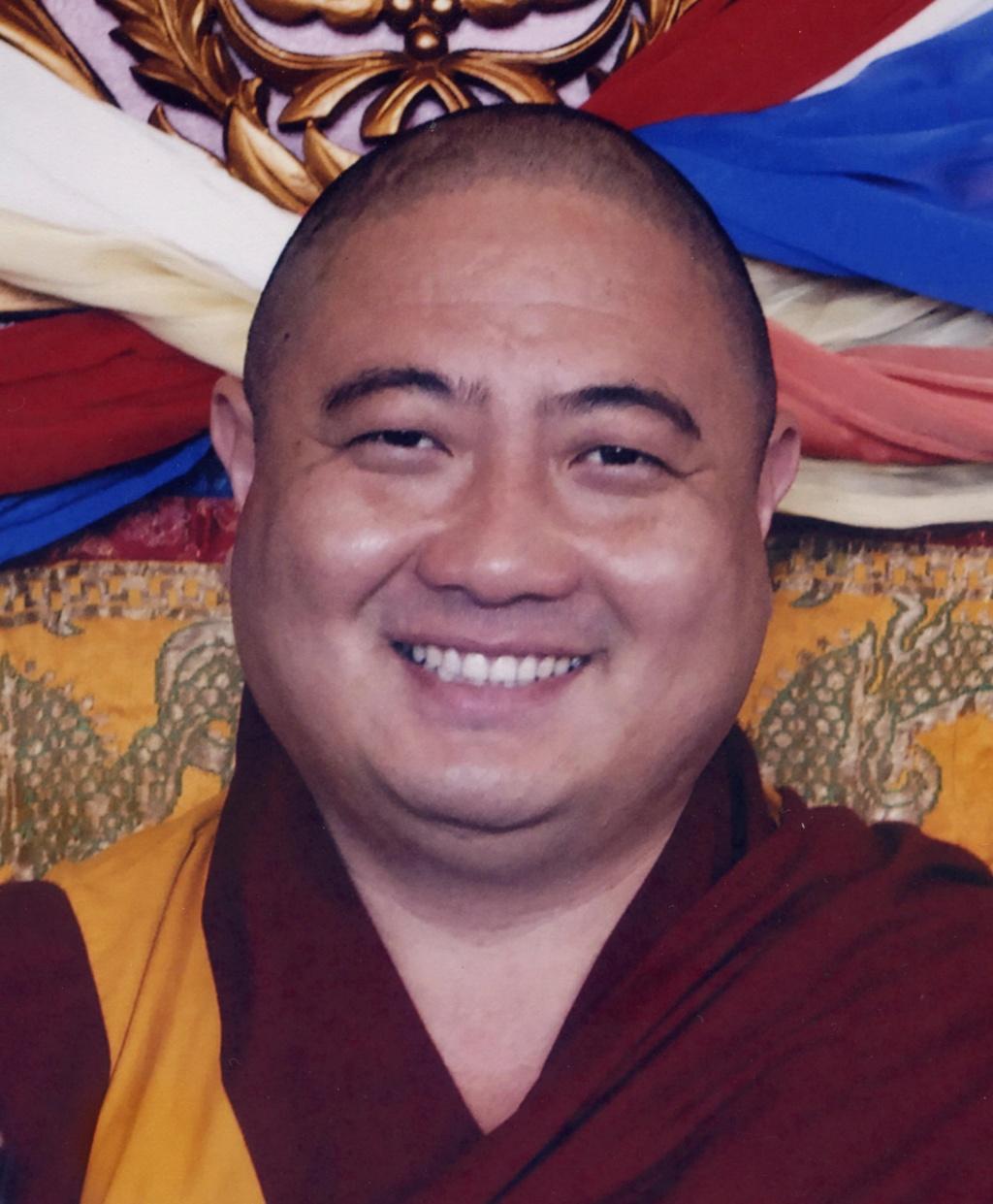 Rabjam Ripoché viendra consacrer le nouveau Stupa de Nyima Dzong Rr_rdr10