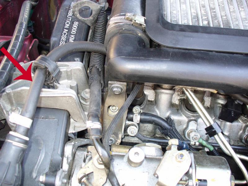 Changement durite gasoil 306 TD P1030410