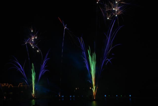 Vos photos des feux d'artifice et show nocturne ! - Page 2 Dsc_0072