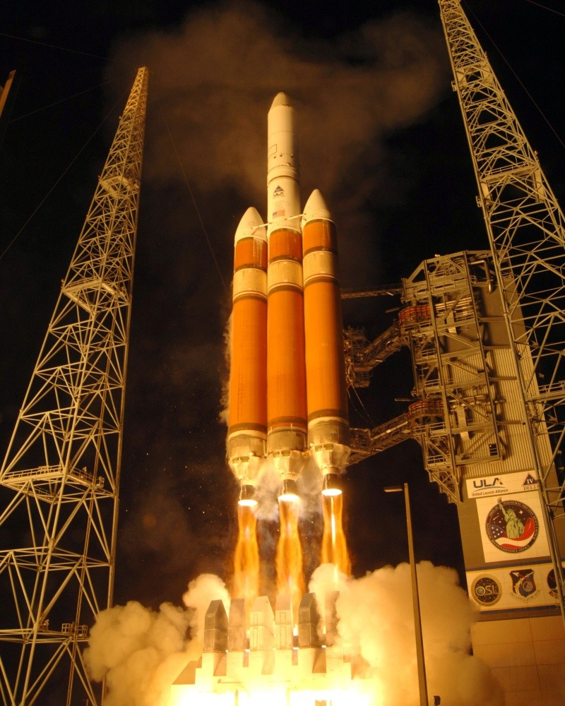 Lancement Delta IV Heavy / NROL-26 (17/01/2009) - Page 5 Divh_n10
