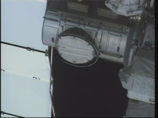 [STS-130 endeavour]ISS20A  EVA#3 Behnken & Patricks. fil Firefo57