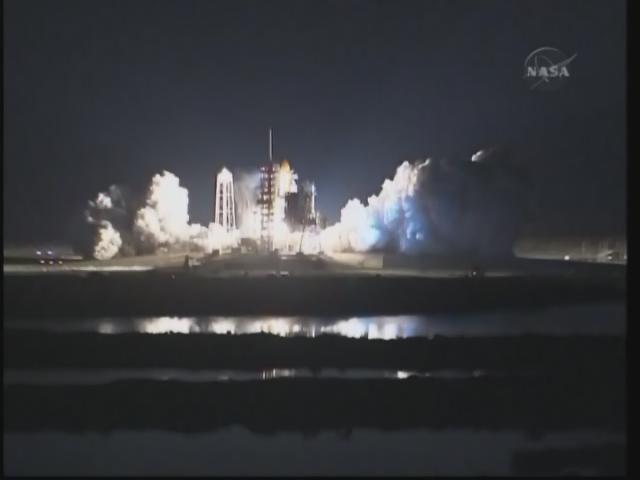 [STS-131 /ISS19A] Discovery fil dédié au lancement (05/04/2010) - Page 17 Firefo74