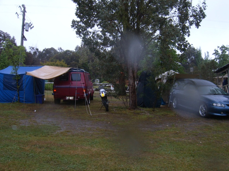 Lima Sth (VIC) near Benalla long weekend....22.10 to 2.11.10 Camp_a12