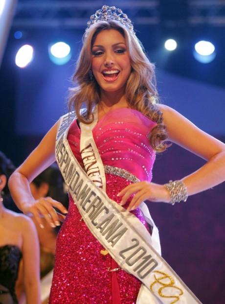 Caroline Medina - Miss Earth Fire 2011 From Venezuela 1af12m10