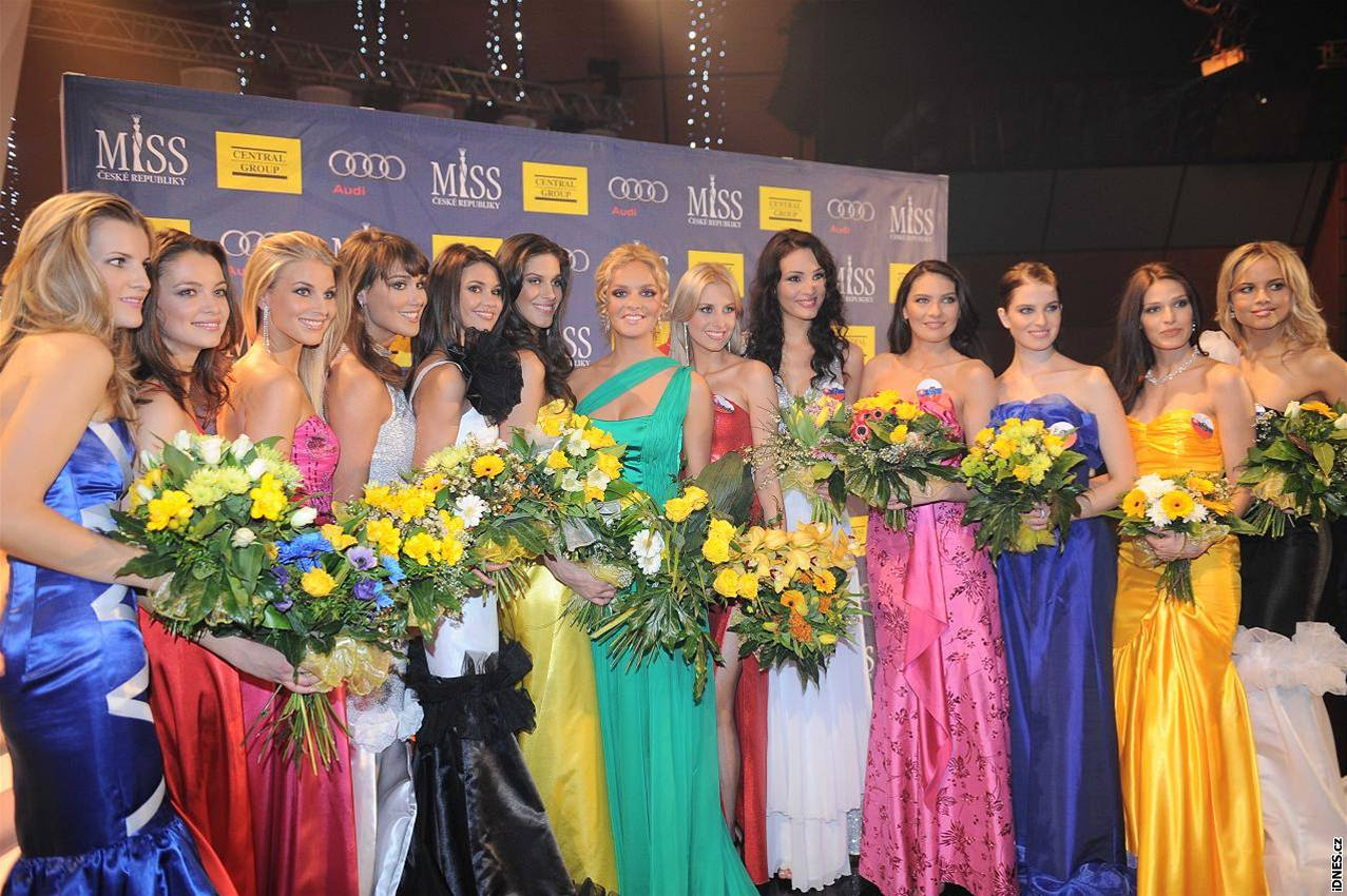Official Thread of Miss World 2006 - Tatana Kucharova (Czech Republic) - Page 3 Nh325c13