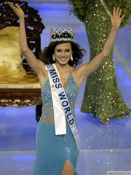 Mantilla - Official Thread of Miss World 2004 - Maria Julia Mantilla - Peru Peru_211