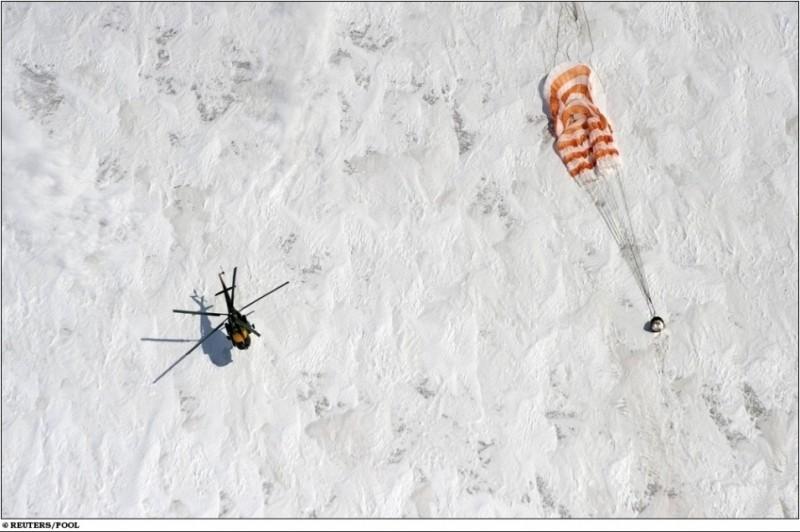 Le vol de Soyouz TMA-M - du 8 octobre 2010 au 16 mars 2011 - Page 6 0627