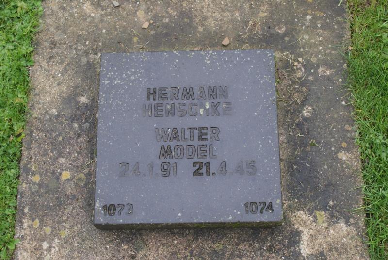 Cimetière Allemand de Vossenack ( Allemagne ) Dsc02519