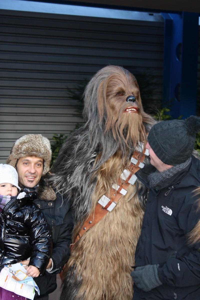 Retour des Personnages de Star Wars devant Star Tours ! - Page 8 Disney21