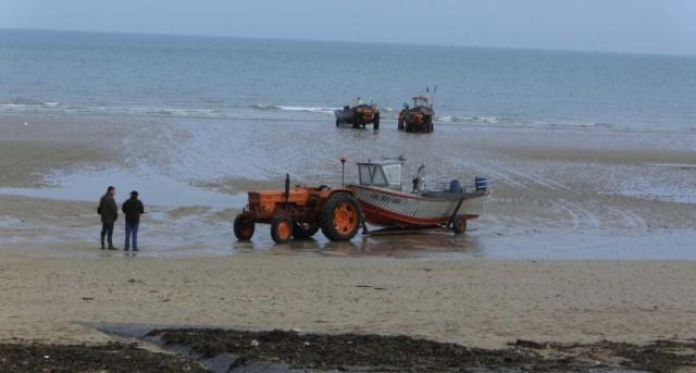 [VIE DES PORTS] Quelques bateaux de pêche (sur nos côtes Françaises) - Page 7 Re_de_11