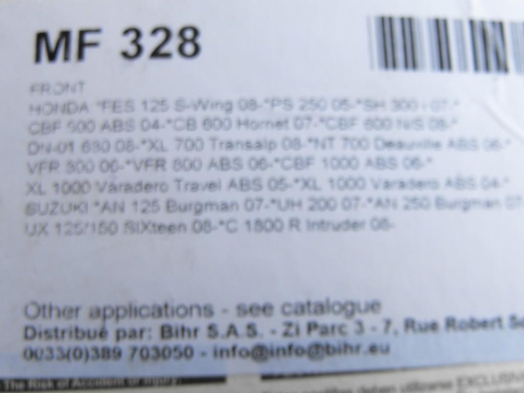 Honda me dit qu'il y a des jeux de plaquettes différents selon avant-gauche ou droit version ABS? Dscf0037