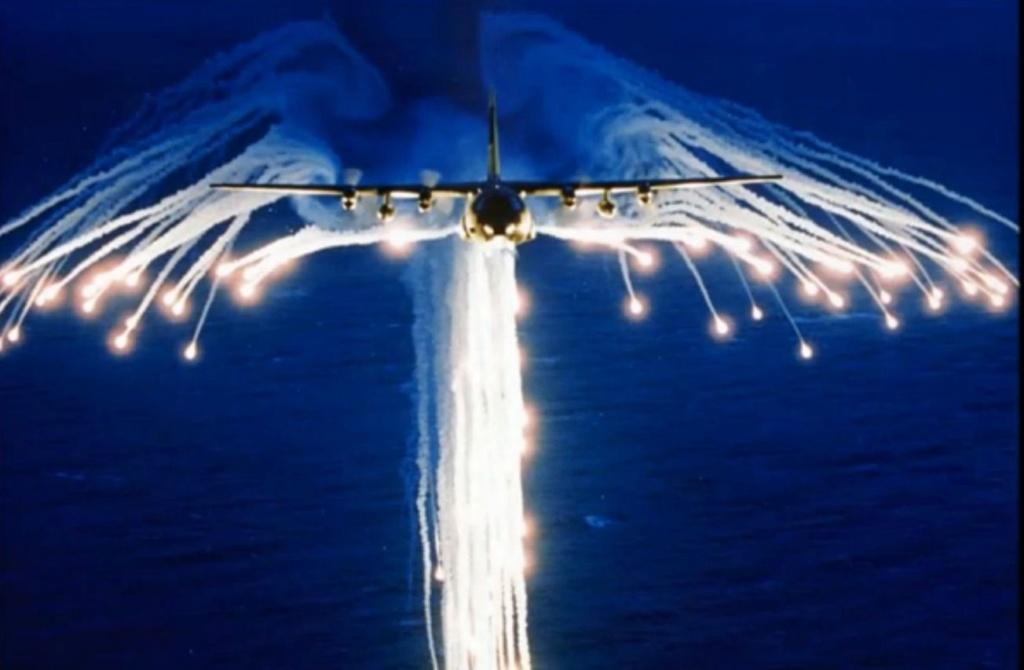 كيف تمنع الشعلات النارية الصواريخ من ضرب الطائرات الحربية؟ 6bf3a110