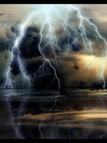 I love storms and tornadoes and weather all around. Amazin10