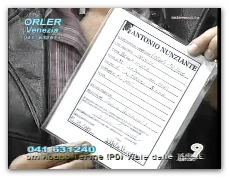 IMMAGINI AMARCORD IN TV  DELLE OPERE DEL MAESTRO - Pagina 3 Apc_2037