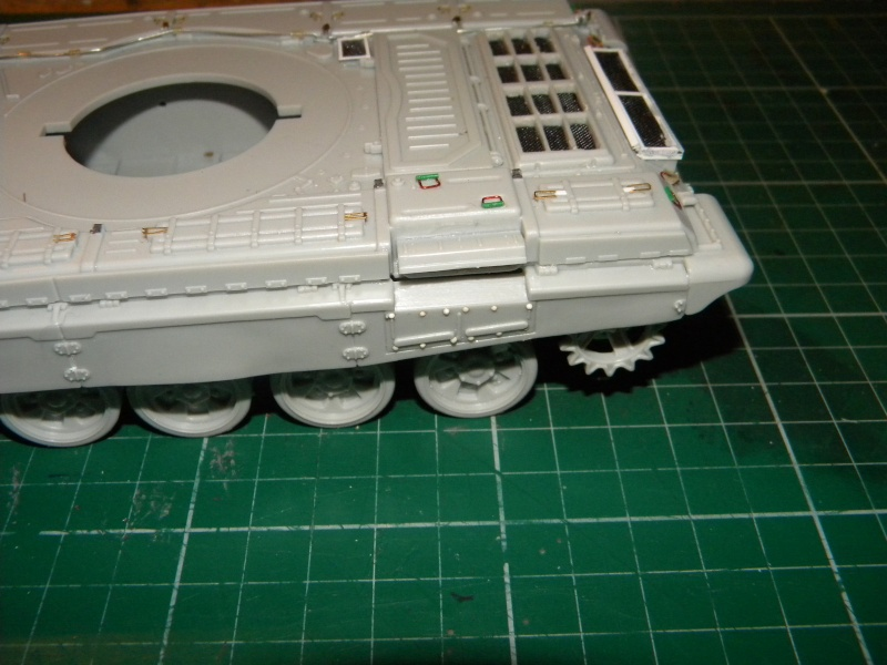 T-72 montage terminé - Page 2 Tr721_10