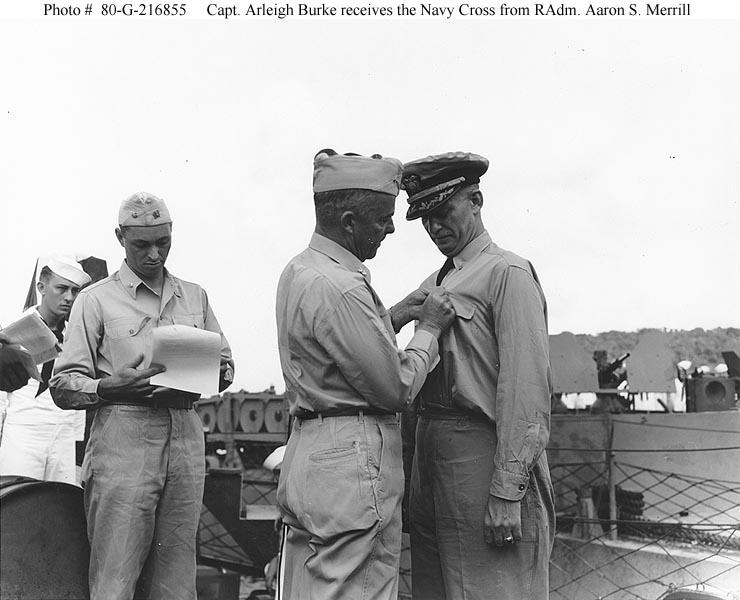 DDG : Arleigh Burke class destroyer - Page 3 G2168512
