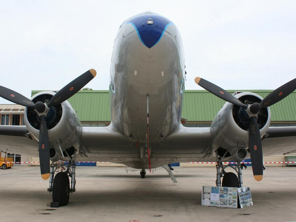 100 ème anniversaire de l'Aéronautique navale - Page 6 017_1010