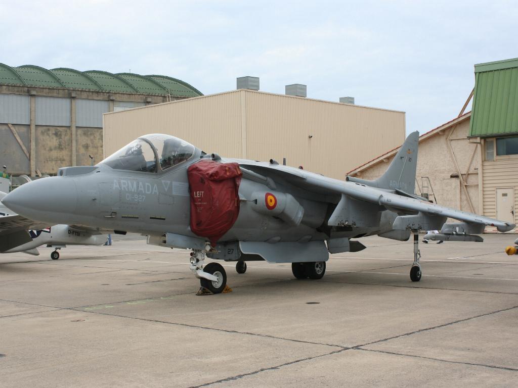 100 ème anniversaire de l'Aéronautique navale - Page 6 022_1011