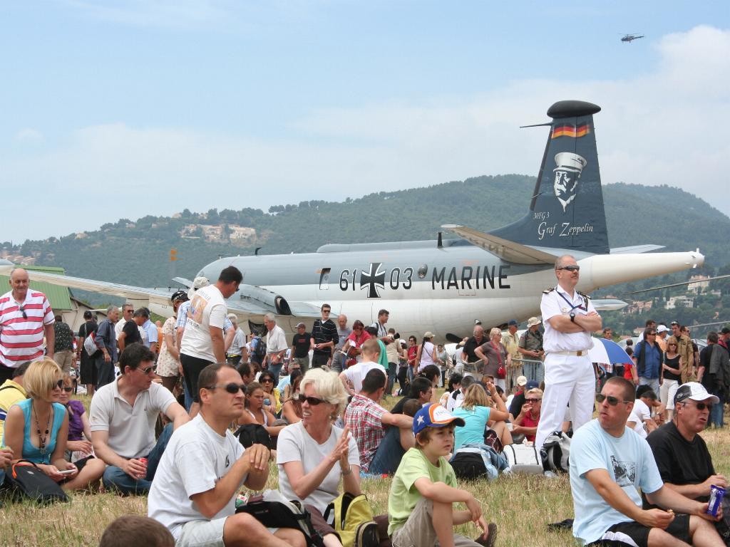 100 ème anniversaire de l'Aéronautique navale - Page 6 055_1010
