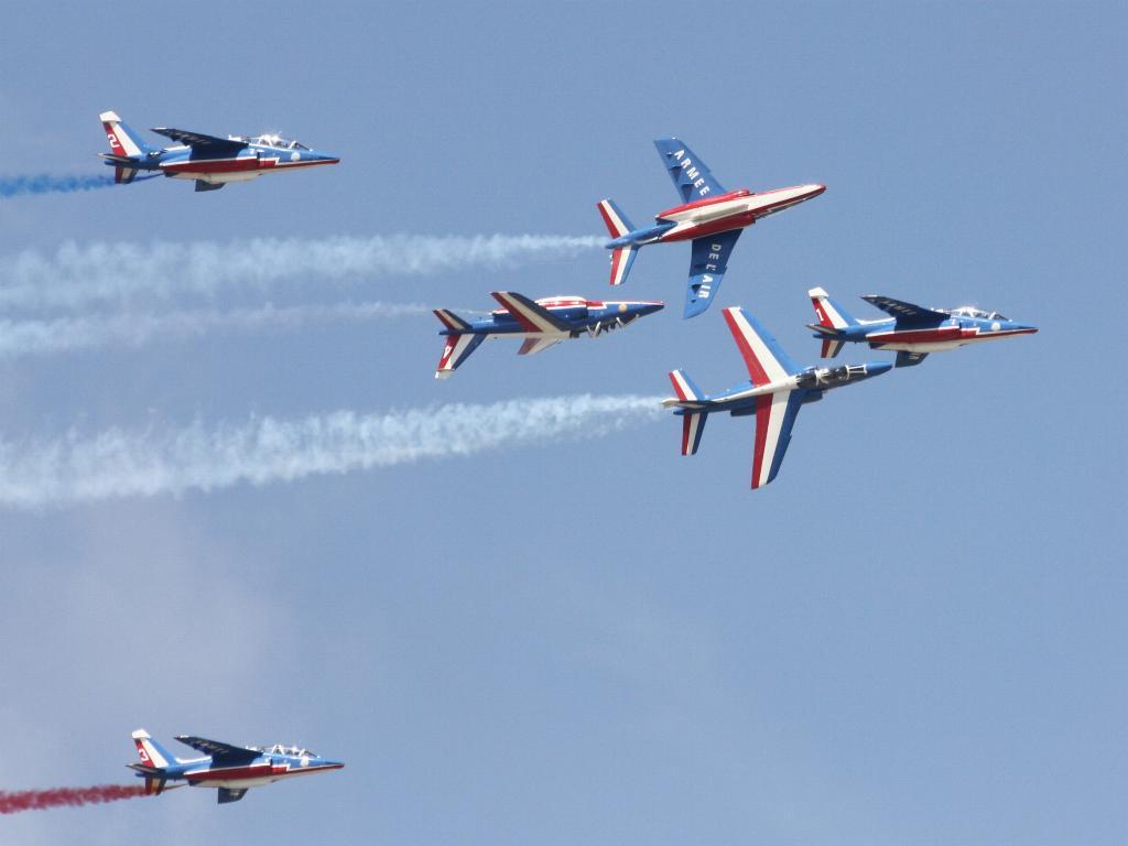 100 ème anniversaire de l'Aéronautique navale - Page 7 099_1010