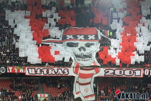 Ultras Choreos (Pyro, Flags, Smokes) Utrech11