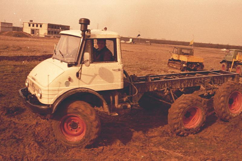 le 406 ou 416 à 6 roues 00317110