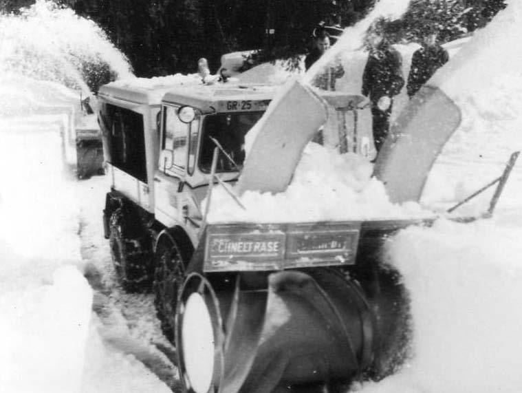photos unimog chasse neige 83600110