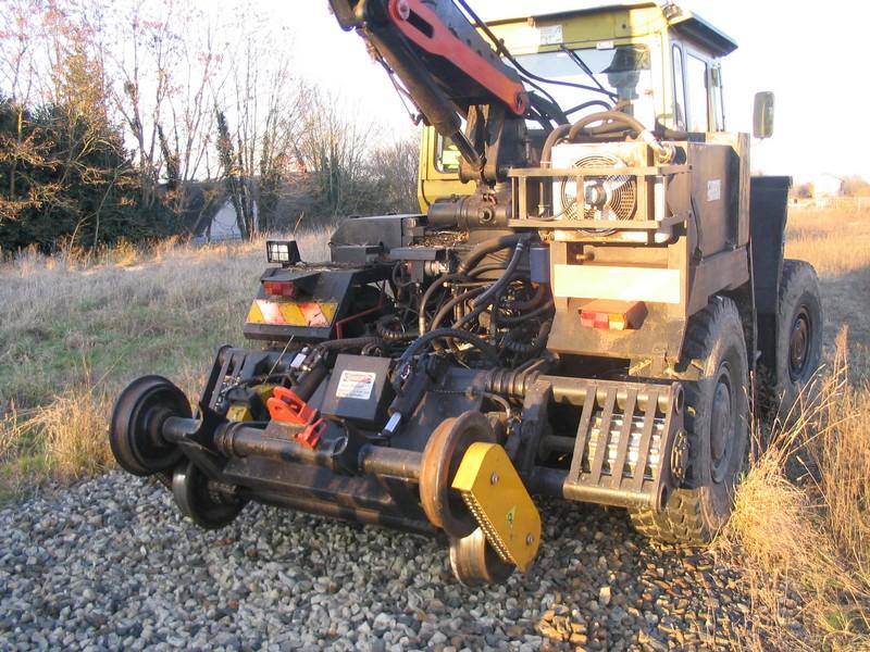 MB track SNCF avec epareuse Mbtrac13