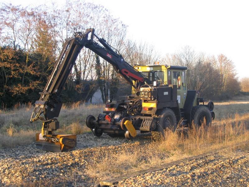 MB track SNCF avec epareuse Mbtrac14