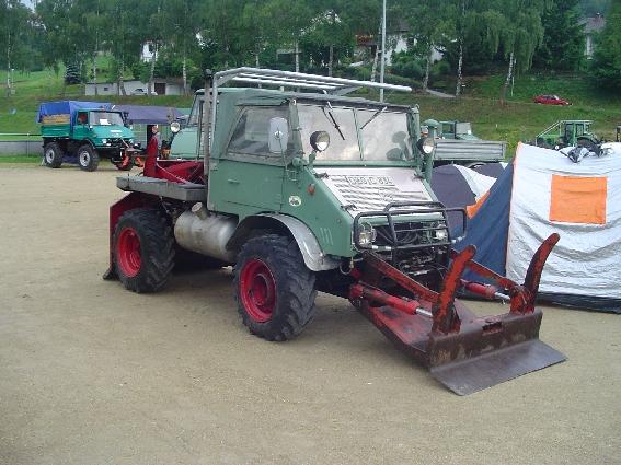 unimog mb-trac wf-trac pour utilisation forestière dans le monde - Page 2 Sartbi10